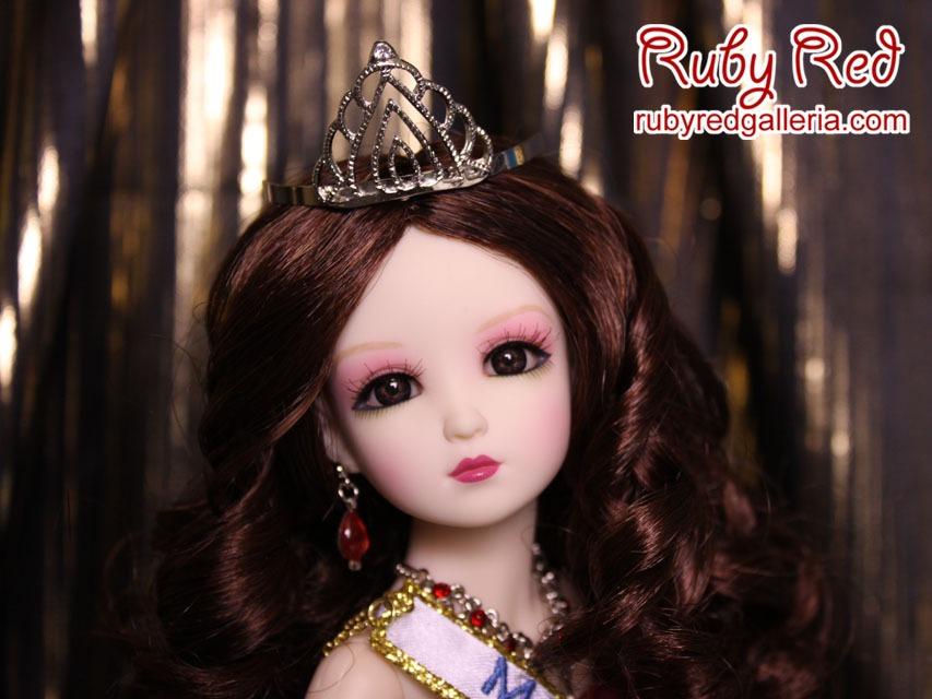 Lia, Miss Teenage Beauty Queen